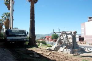 Leerer Sockel vor der Alten Feste in Windhoek.  Foto: Sven-Eric Stender